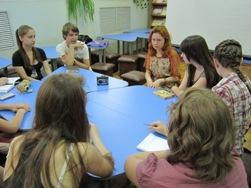 Катерина Ткаченко в гостях у учеников Школы журналистики